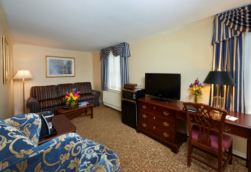 Deluxe Suite sitting area at The Nittany Lion Inn