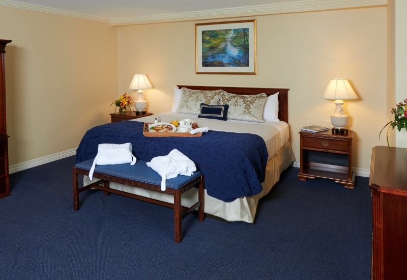 King Suite Rooms In State College Pa The Nittany Lion Inn The Official Site Luxury Hotel