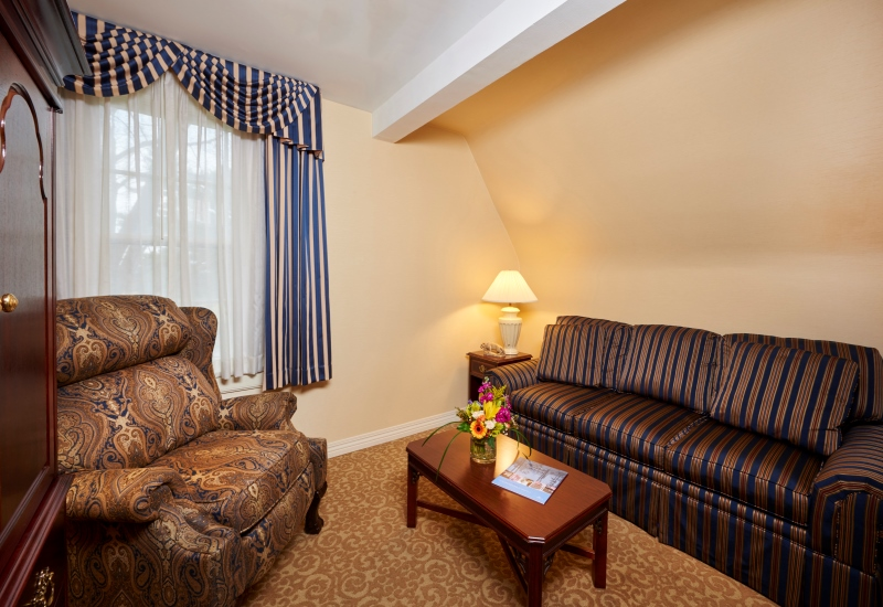 king suite couch